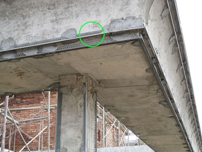 One picture of plaster corner bead applied at the plaster corner edge forms strong reinforcement and straight lines.